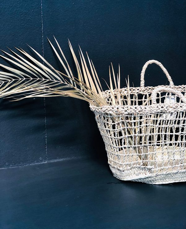 Très joli panier en fibres naturelles
